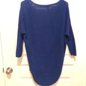 Express Sweaters - Express VNeck Sweater 3/4 sleeves size XS